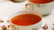 Jak wykorzystać herbatę w pielęgnacji skóry