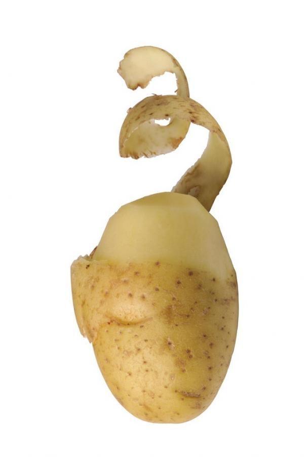 Jak wykorzystać obierki z ziemniaków /© Photogenica
