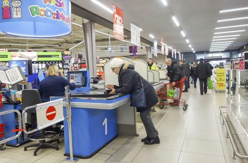 Jak wynika z raportu - najwięcej pracowników zza wschodniej granicy pracuje w produkcji oraz usługach /Piotr Kamionka /Reporter