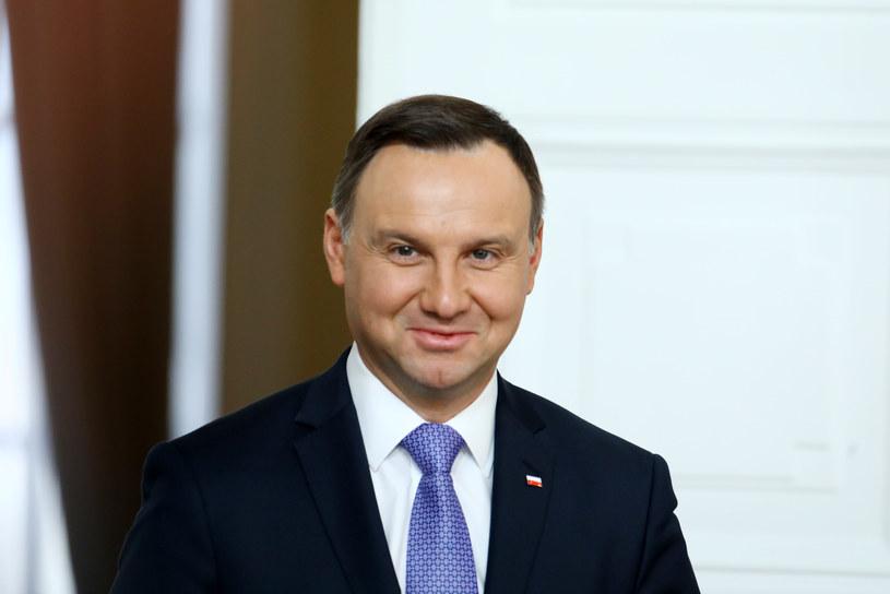 Jak wynika z sondażu - prezydent Andrzej Duda cieszy się dużym zaufaniem Polaków /Stanisław Kowalczuk /East News
