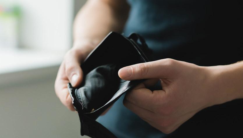 Jak wysokość stóp procentowych wpływa na portfele Polaków