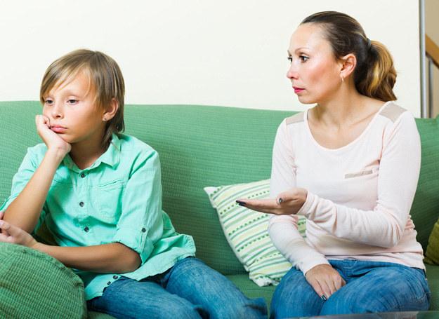 Jak wytłumaczyć nastolatkowi, że siła to nie wszystko? /123RF/PICSEL