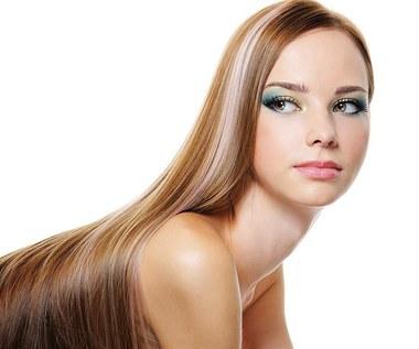Jak wzmocnić włosy za pomocą liści curry?