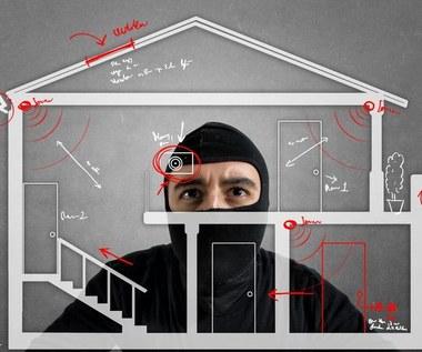 Jak zabezpieczyć dom przed wyjazdem?