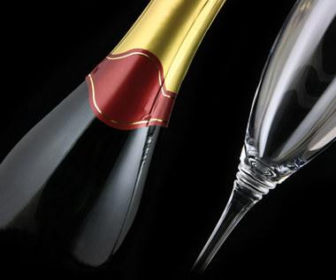 Jak zabezpieczyć szampana przed odgazowaniem?
