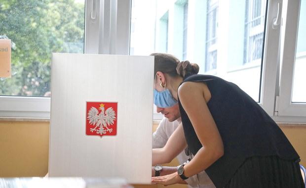 Jak zagłosować na urlopie? Podpowiadamy przed II turą wyborów prezydenckich