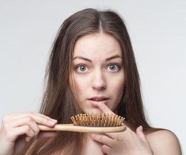 Jak zahamować wypadanie włosów na jesień?