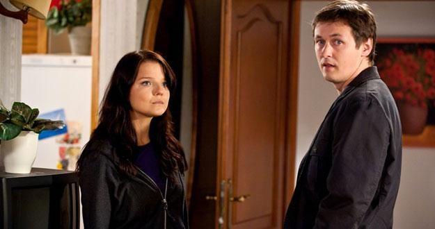 Jak zakończy sie konflikt pomiędzy Martą (Joanna Jabłczyńska) a Filipem (Marcin Chochlew)? /TVN