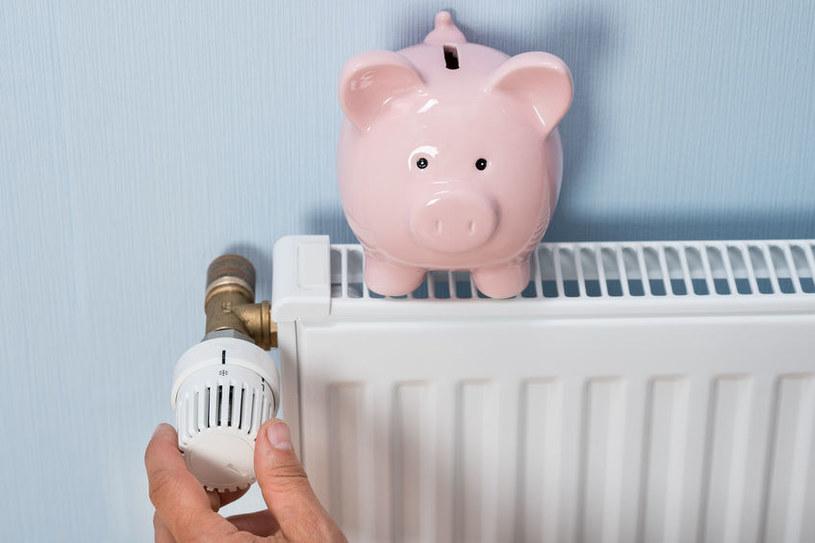 Jak zaoszczędzić na ogrzewaniu zimą? /©123RF/PICSEL