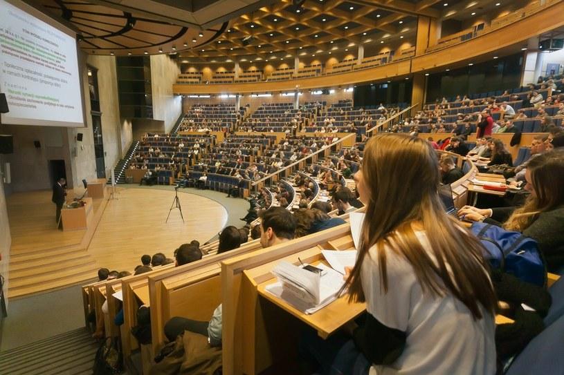 Jak zapewniają władze uczelni, porozumienie przyniesie korzyści także studentom, zdj. ilustracyjne /Szymon Blik/Reporter /East News