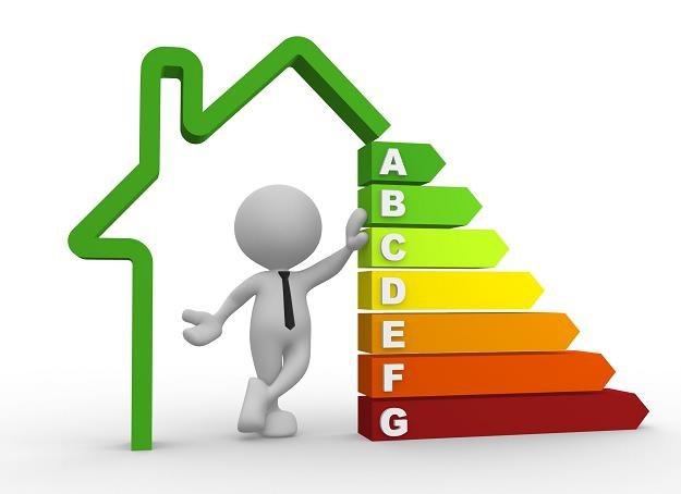 Jak zapobiec stratom ciepła w domu? /©123RF/PICSEL