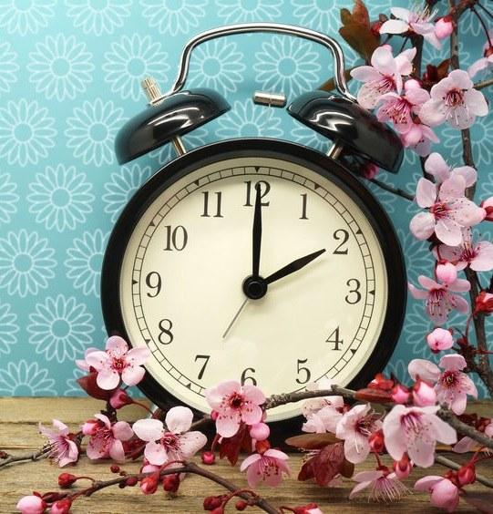 Jak zmiana czasu wpływa na zdrowie? /©123RF/PICSEL