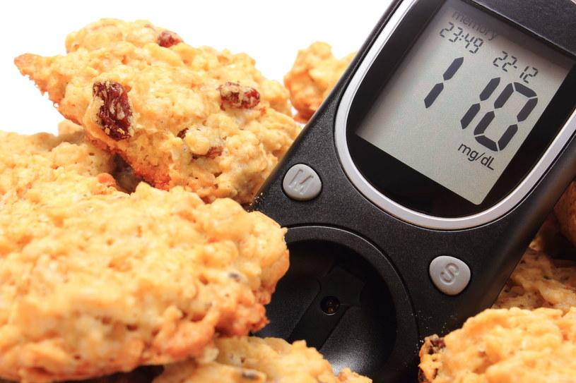 Jak zmniejszyć ryzyko hipoglikemii? Przede wszystkim przestrzegaj reżimu jedzenie-lekarstwa /123RF/PICSEL
