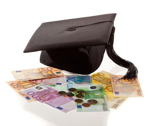Jak zmotywować naukowców do odważnych prac, które mają szansę na wdrożenie w gospodarce? /©123RF/PICSEL