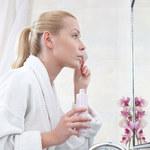 Jak zmywać makijaż oczu?
