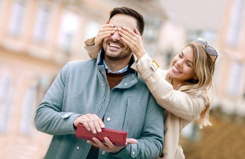 Jak znaleźć idealny prezent dla aktywnego faceta? /123RF/PICSEL