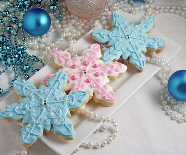 Jak zrobić ciasteczka w kształcie płatków śniegu?