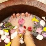 Jak zrobić cytrusową kąpiel do stóp?