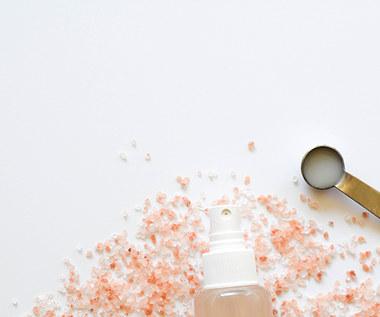 Jak zrobić dezodorant z solą himalajską?