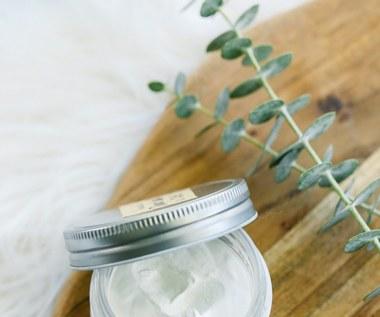 Jak zrobić domową maść na odparzenia pieluszkowe?