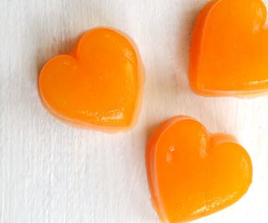 Jak zrobić domowe cukierki do żucia z witaminami?