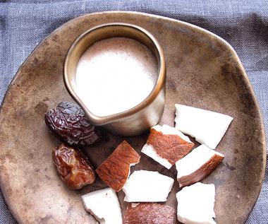 Jak zrobić domowe mleko kokosowe?