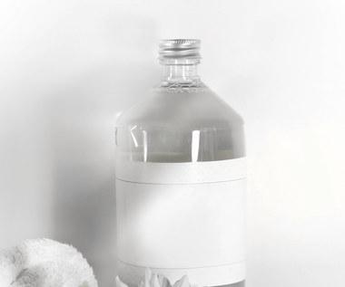 Jak zrobić domowy płyn do tkanin z octem?