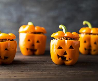 Jak zrobić faszerowane papryki na Halloween?