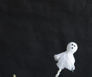 Jak zrobić Halloweenowe duszki na patyku?