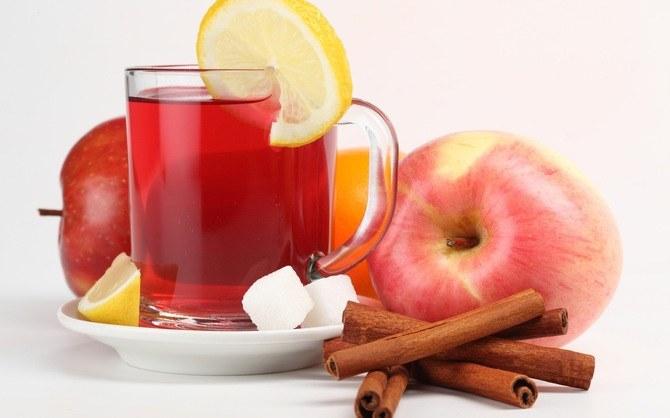Jak zrobić herbatę jabłkową /© Photogenica
