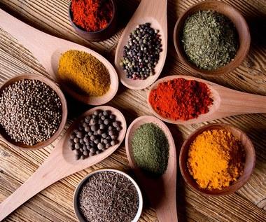 """Jak zrobić indyjską mieszankę ziół """"chaat masala""""?"""
