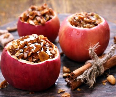 Jak zrobić jabłka pieczone w mikrofalówce?