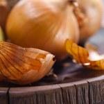 Jak zrobić leczniczy wywar z łupin cebuli?