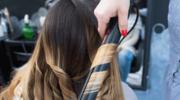 Jak zrobić loki prostownicą do włosów?