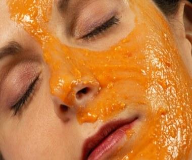 Jak zrobić maseczkę na twarz ze skórki pomarańczy?