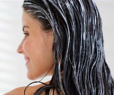 Jak zrobić maseczkę na włosy z majonezu i miodu?