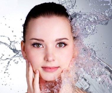 Jak zrobić maseczkę przeciw starzeniu się skóry z persymony?