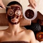 Jak zrobić maseczkę wygładzającą skórę z czekolady?