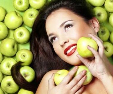 Jak zrobić maseczkę z jabłek i miodu?