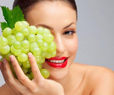 Jak zrobić maseczkę z winogron przeciw starzeniu się skóry?