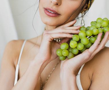 Jak zrobić maseczkę z winogron?