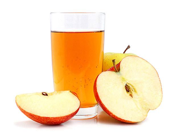 Jak zrobić ocet ze skórek jabłek /© Photogenica