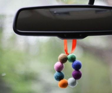 Jak zrobić odświeżacz powietrza z kulek filcowych do samochodu?