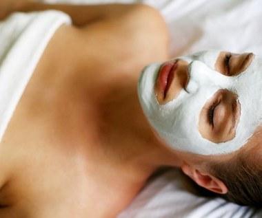 Jak zrobić odświeżającą maseczkę do twarzy z ogórkiem?