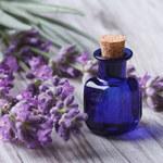 Jak zrobić olejek zapachowy?