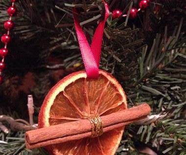 Jak zrobić ozdoby z pomarańczy na choinkę?