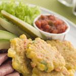 Jak zrobić pikantne placki kukurydziane?