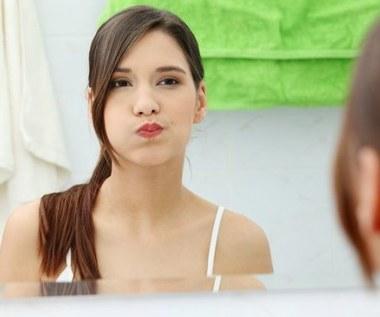 Jak zrobić płyn do płukania jamy ustnej?