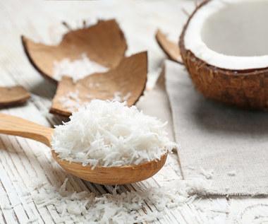 Jak zrobić prażone wiórki kokosowe?