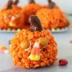 Jak zrobić przekąski na Halloween - dynie z ryżu preparowanego?